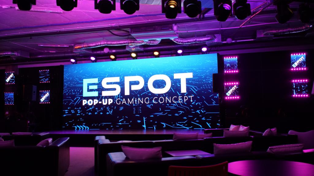 Studio gamingowe w sercu Warszawy - Espot by Mercedes-Benz