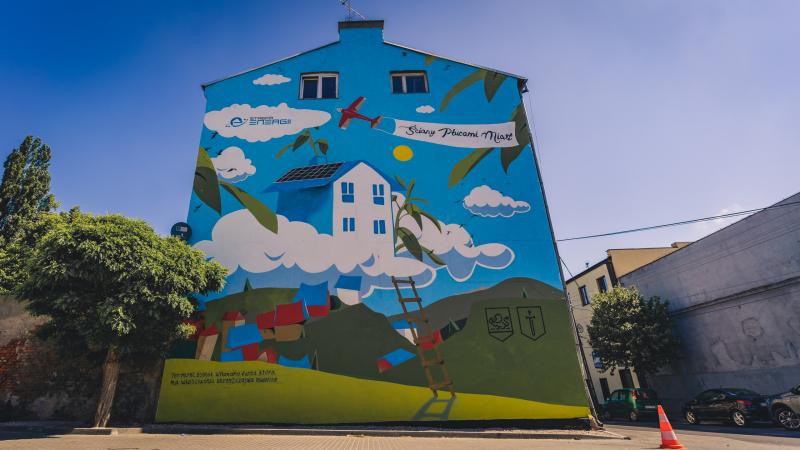 Firma Strefa Energii-oczyszczajacy mural w Zdunskiej Woli