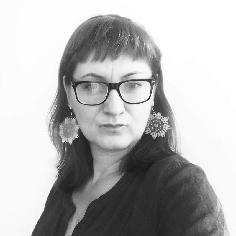 Monika Bartnik redaktor